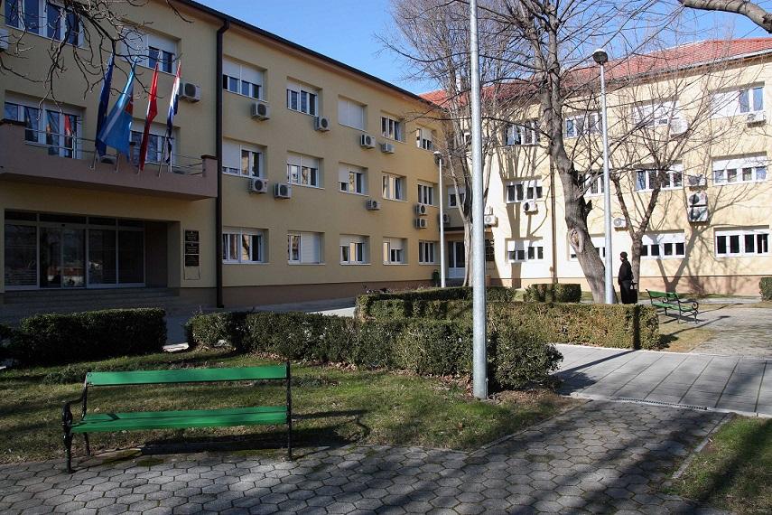 POZIV na javni natječaj za izradu umjetničkog rješenja spomenika dr. Franji Tuđmanu na lokaciji ispred zgrade Gradske uprave Grada Knina u Kninu