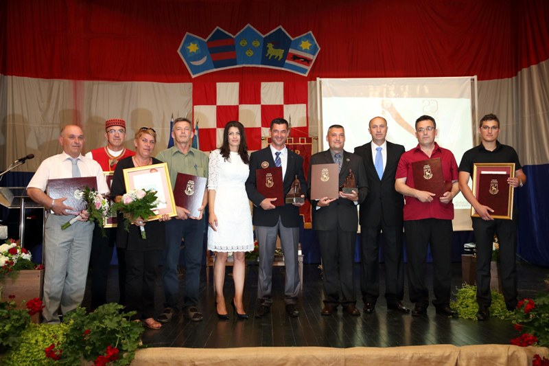 Foto galerija: Nagrade i priznanja Grada Knina