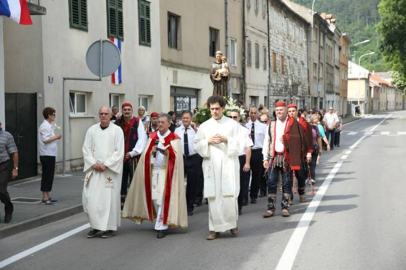 Grad Knin i Kninska župna zajednica svečano proslavili svetkovinu sv. Ante