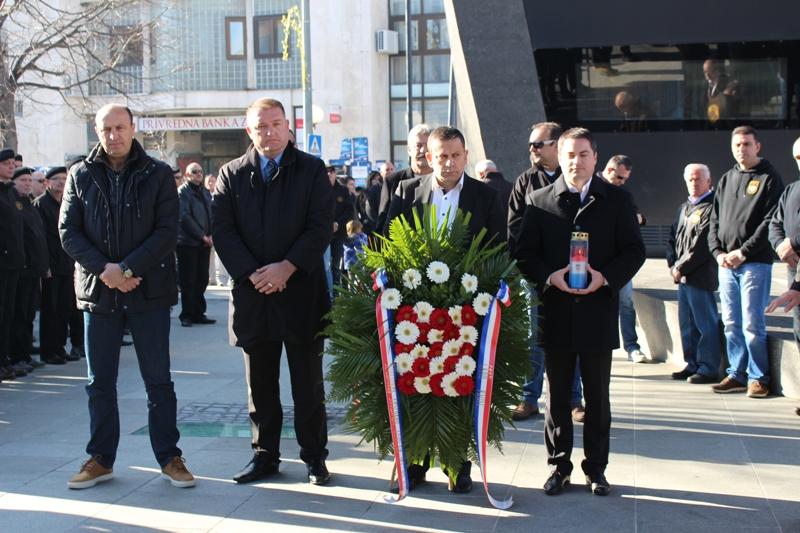 Obilježena 24. obljetnica 72. bojne vojne policije na Trgu Ante Starčevića u Kninu