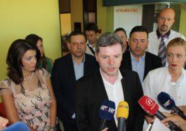 Ministar zdravlja Dario Nakić posjetio kninsku bolnicu