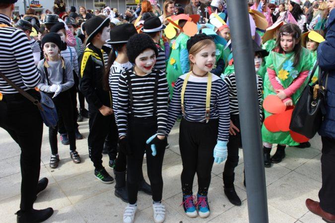 Karnevalska povorka u Kninu