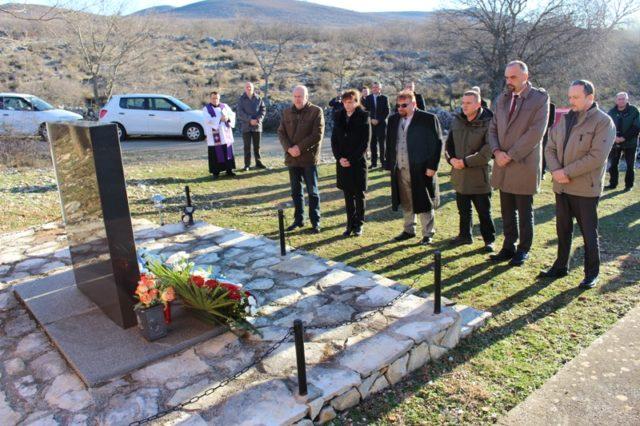 LokalnaHrvatska.hr Knin Tuzna obljetnica stradanja obitelji cengic