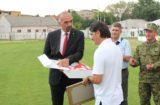 Odigrane revijalne utakmice na stadionu NK Dinara; gradonačelnik Marko Jelić uručio prigodan dar izborniku Vatrenih Zlatku Daliću