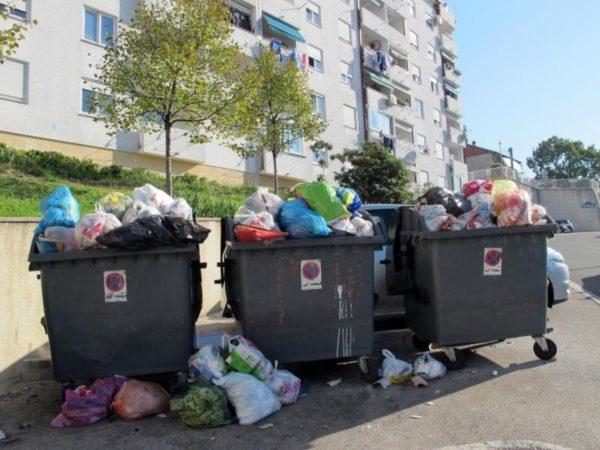 "Dislokacija spremnika za odlaganje komunalnog otpada povodom obilježavanja 23. obljetnice VRO ""OLUJA"""