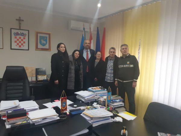 """Gradonačelnik dr.sc. Marko Jelić  primio u nastupni posjet predstavnike projekta """"Erste Plava liga-brže, više, jače"""""""