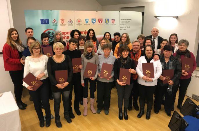 Crveni križ Knin dodatno educirao 22 djelatnice koje se brinu o starijim osobama