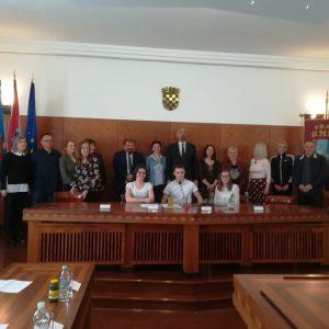 Grad Knin uručio stipendije učenicima i studentima