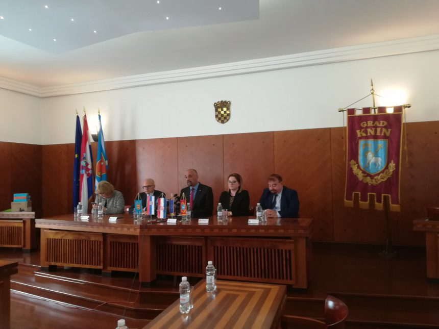 Posjet Kninu veleposlanice Republike Srbije i gradonačelnika Novog Sada